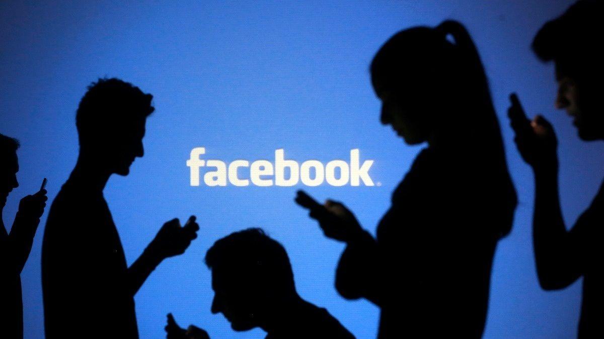 Facebook uçak emojisi