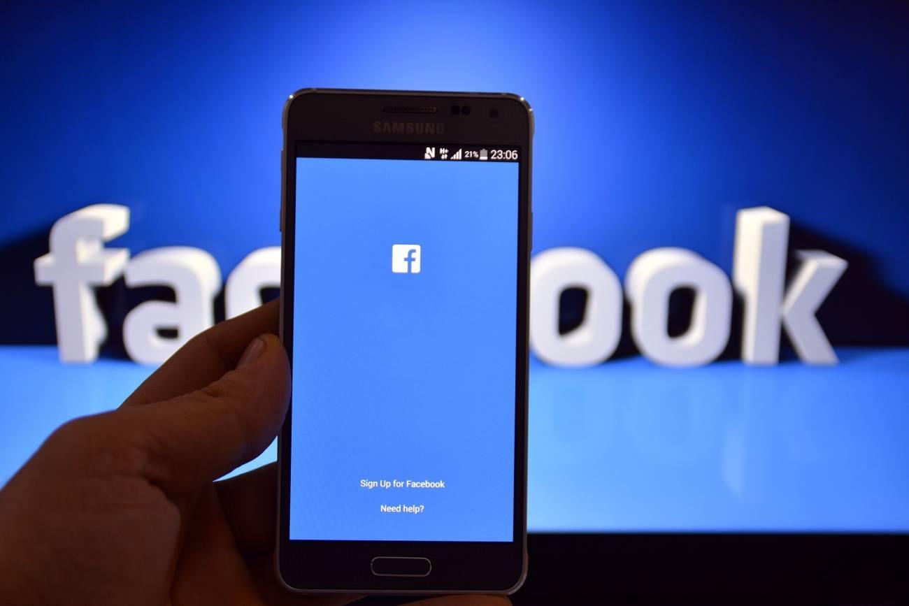 Facebook ve Instagram Küçük Çocuklar