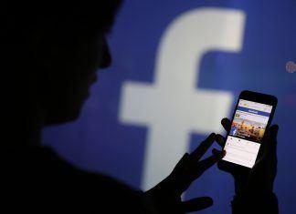 Facebook İnsanları Takip Ediyor