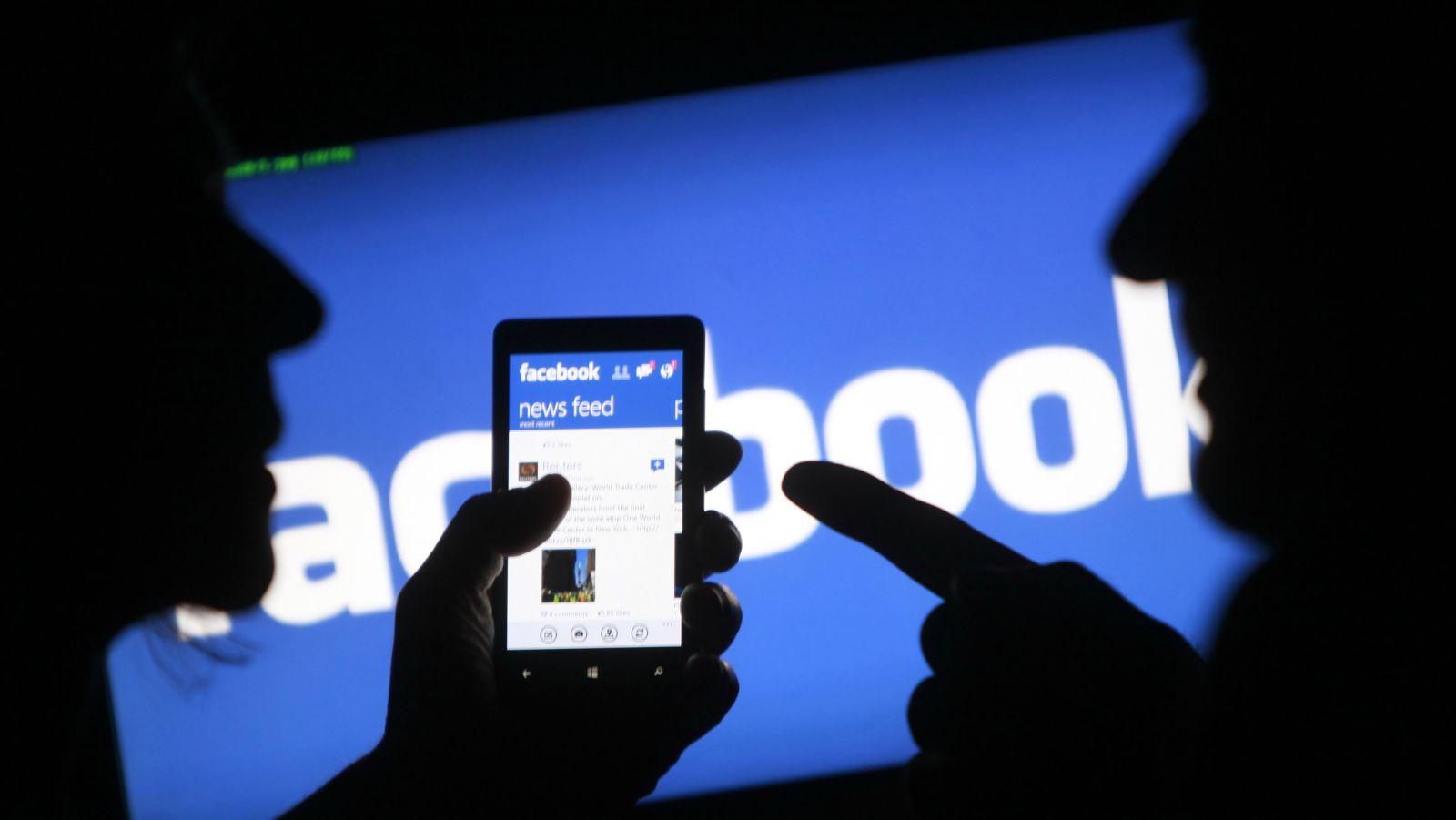 Facebook SMS ve Konuşmaları Kaydetmiş!